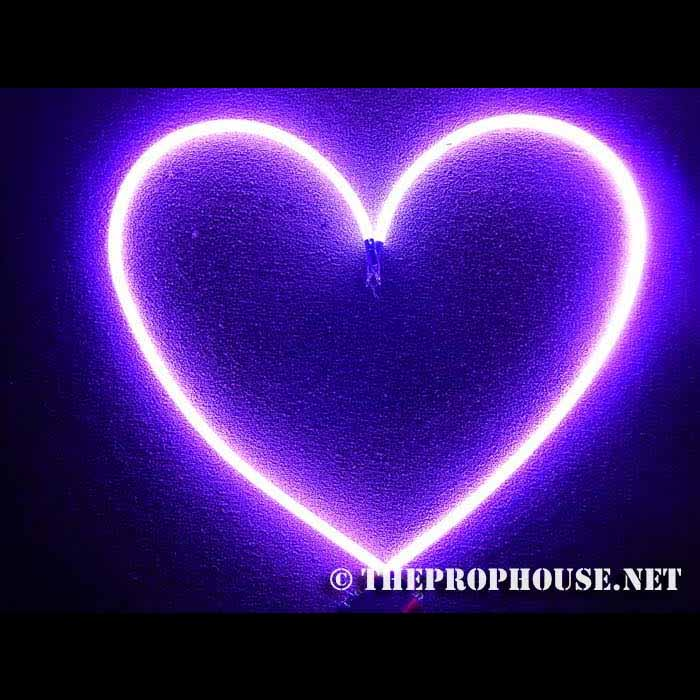 Neon-Rental-Heart-2