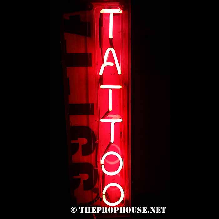 Neon-Rental-Tattoo-2
