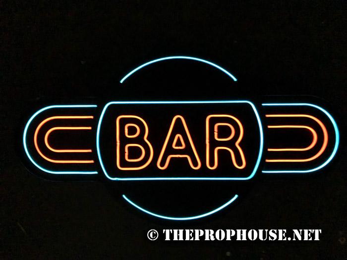 bar-neon-rental