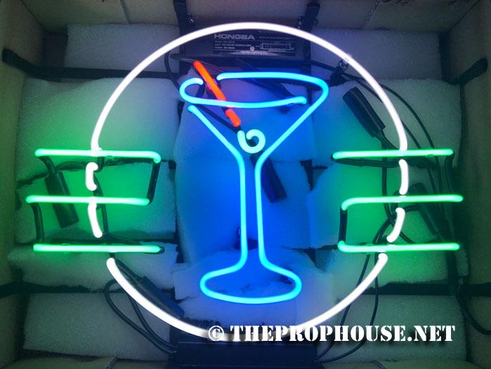martini-neon-rental